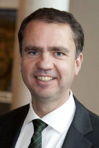 Dr. Oliver Everling